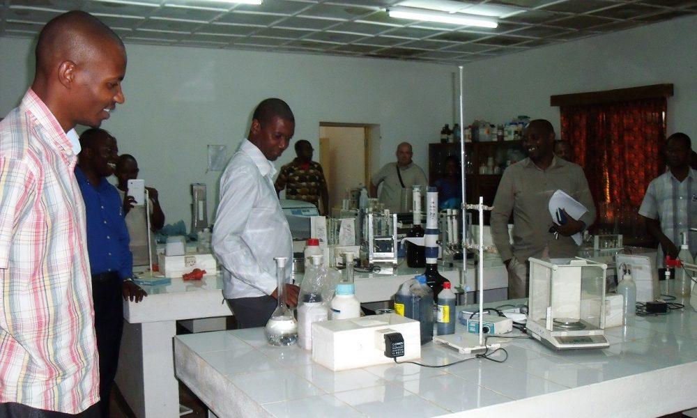 Visita ao Laboratório da FAGRI